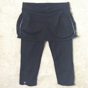 Athleta 2-1 leggings Skirt Capri Workout Yoga Pant